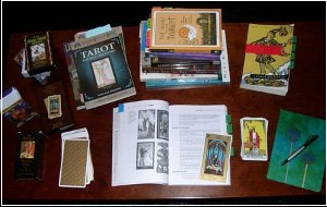 Tarot Readers in delhi, tarot classes in delhi, Tarot Consultancy Services, tarot courses institute in delhi